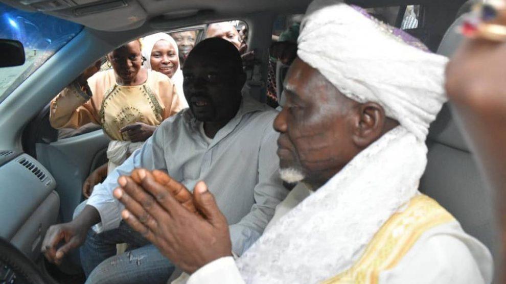 Hon Adedeji Stanley Odidi-Omo Showers Gift on Clergymen